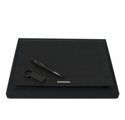 Set cu Folder A4 Fuse, Pix si Memorie USB 16GB Fuse Black HUGO BOSS